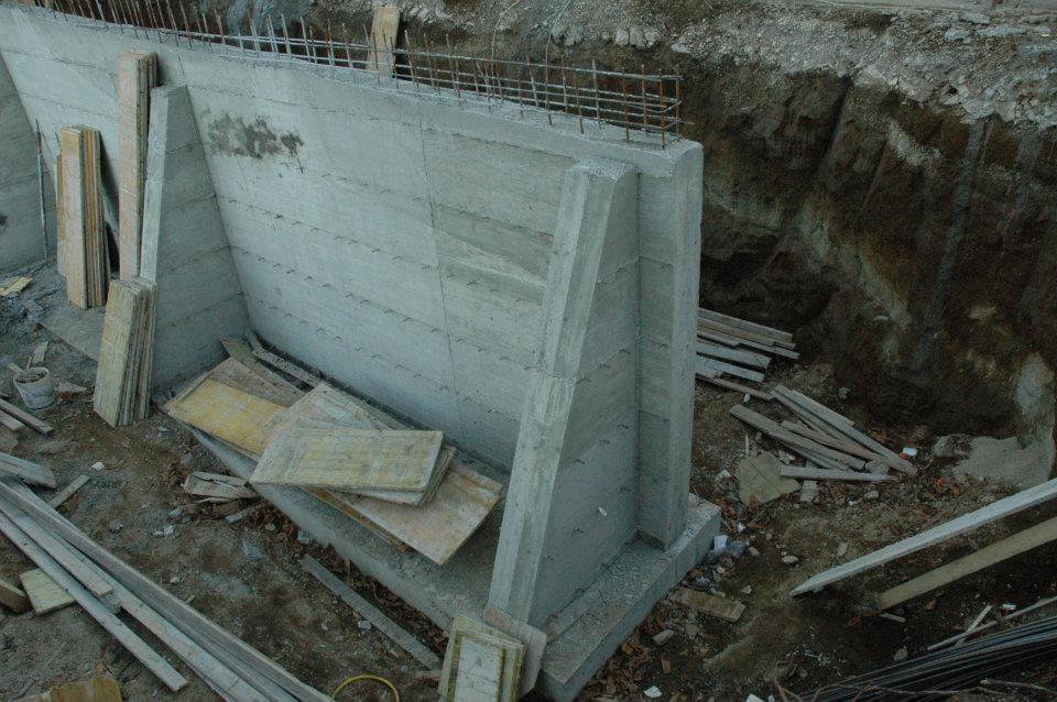 Muro contenimento cemento armato